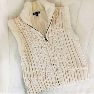 Girls Zip Sweater Vest Gap NWOT With Pockets Zip